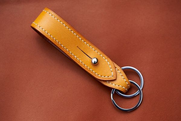 Looped Key Fob in Bakers London Tan with Ecru Lin Cable